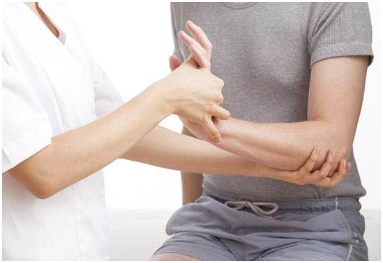 Какой врач снимает побои?